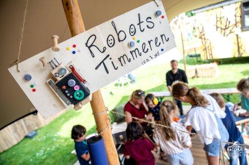Robots timmeren @ Bacchus Festival